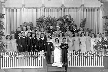 Tom Thumb wedding at Wewoka Community Center - 1947